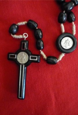 St-Benedict-Rosary-Necklace-Medal-19-Nr-Black-Olive-Wood-Beads-From-Holy-Land-0-1