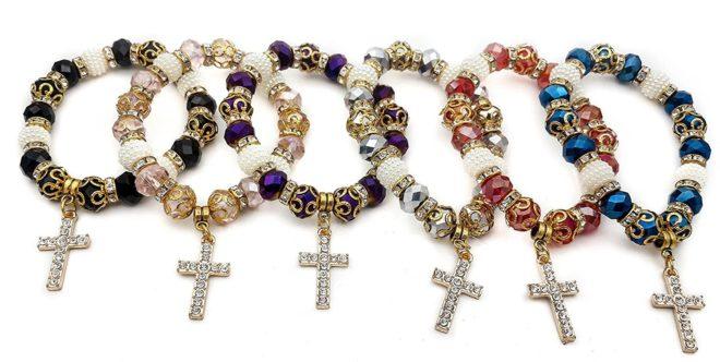 Nazareth Store Deep Blue Cristal Perles Chapelet catholique Collier M/édaille de Sainte Terre et Crucifix